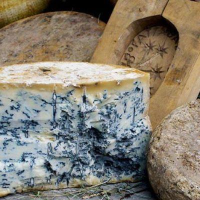 Blauwe kaas of blauweschimmelkaas is een kaas met een blauwe schimmel. Roquefort en Bleu du Chèvre zijn bekende voorbeelden.