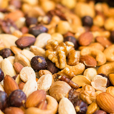 Deze ongebrande noten zijn puur natuur. De rauwe noten zijn helemaal onbewerkt. Zeer geschikt om zo uit het vuistje te eten en dus prima voor een gezonde snack.